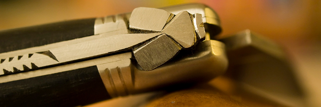 Les couteaux Laguiole coupent dans la contrefaçon