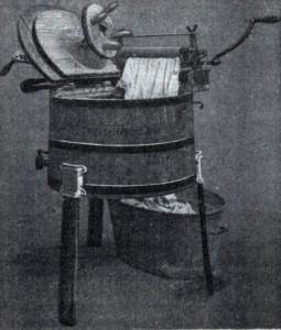 Lave-linge à manivelle