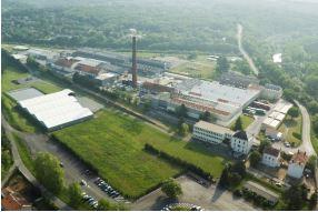 arbre-vert-usine