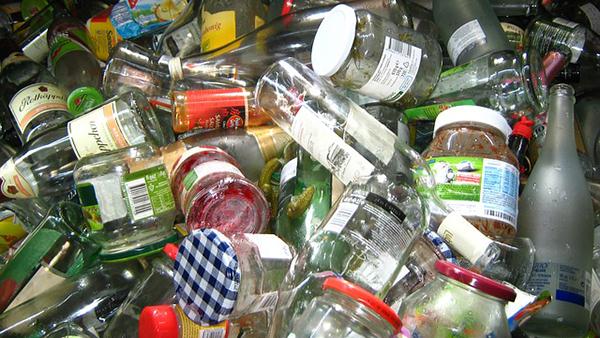 emballage-dechets-verre-contenant-bocaux-alimentation-01