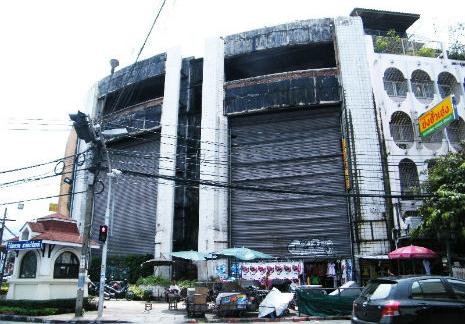 poissons-moustiques-centre-commercial-bangkok-05