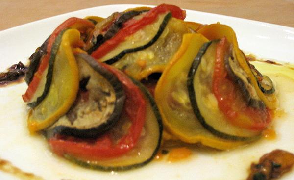 ratatouille-garniture-legumes-du-soleil-provence-france-alimentation-confit-byaldi-02