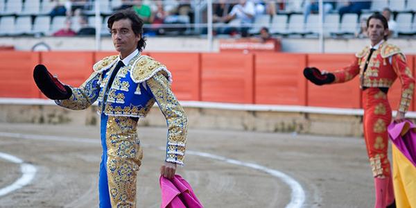 corrida-espagne-taureau-torrero-01