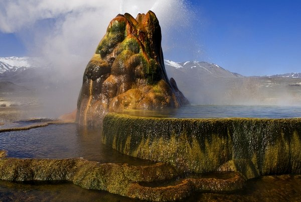 fly-geyser-black-rock-desert-3