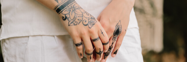 Le tatouage au jagua, un marquage temporaire et festif