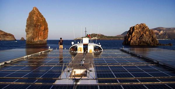 planetsolar-bateau-solaire-record-traversee-atlantique-02