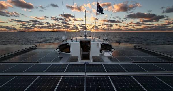 planetsolar-bateau-solaire-record-traversee-atlantique-03