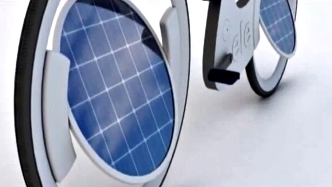 insolite ele un v lo lectrique qui fonctionne l 39 nergie solaire. Black Bedroom Furniture Sets. Home Design Ideas