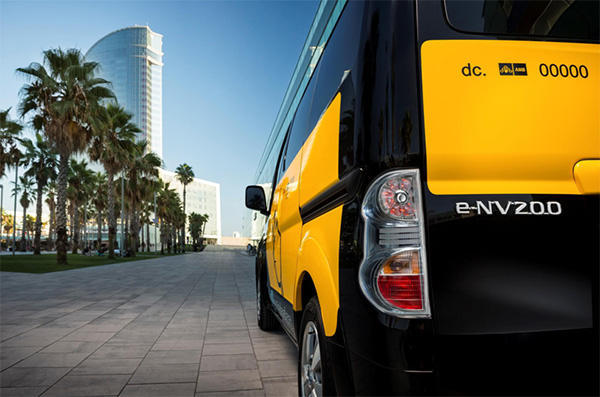 Nissan-e-NV200-zero-emission-taxi-01