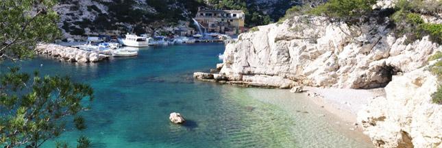Marseille : de la paraffine pollue la calanque de Morgiou