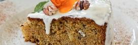 Recette vegan. Citrouille de gâteau au potiron, noix de pécan et crème de marron