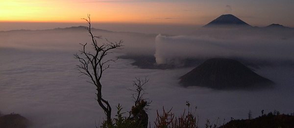 indonesie-iles-java-mont-bromo-pollution-01