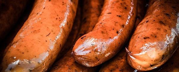saucisses-grillees-charcuterie-alimentation