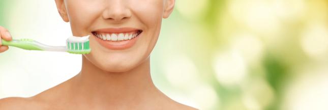 Pourquoi et comment choisir un dentifrice bio ?