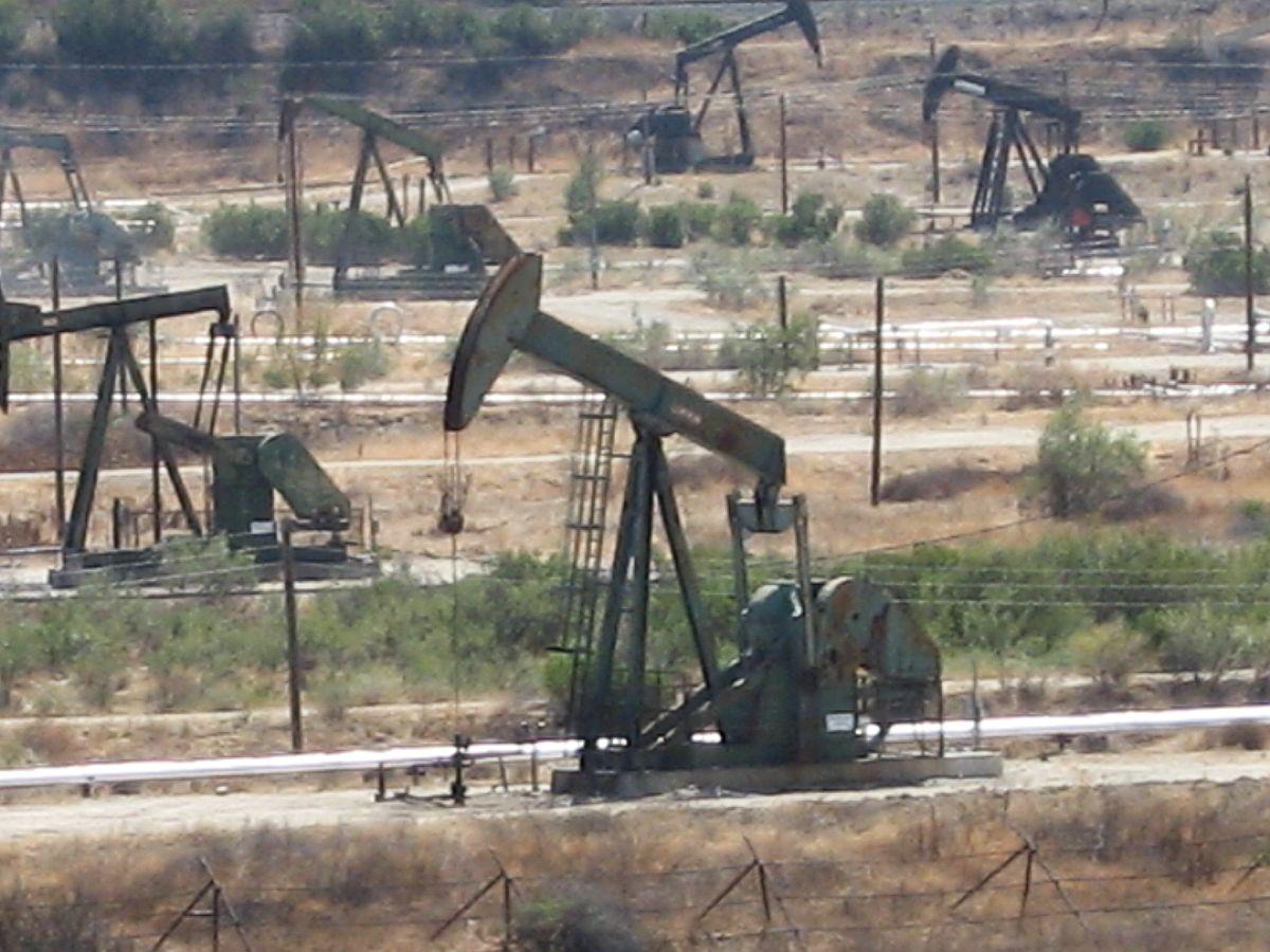 Résultats de recherche d'images pour «images puit pétrole»