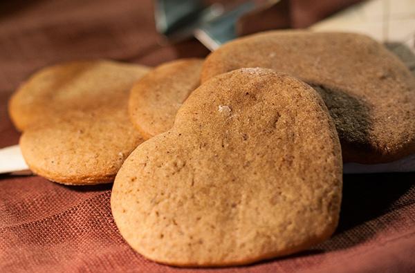 biscuits-croquants-provence-recette-vegan-bio-sans-gluten-aux-noisettes-01
