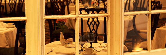 À Londres, vous pouvez manger au restaurant… tout nu!