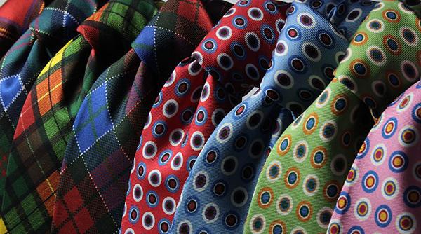 recyclage vieux vêtements, cravates