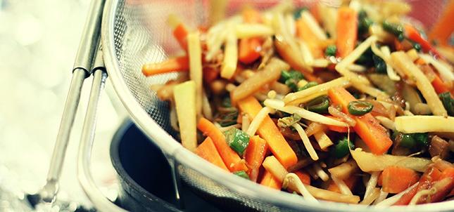 nouilles-sautees-aux-legumes