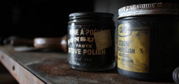 nettoyer-polir-vieux-produits