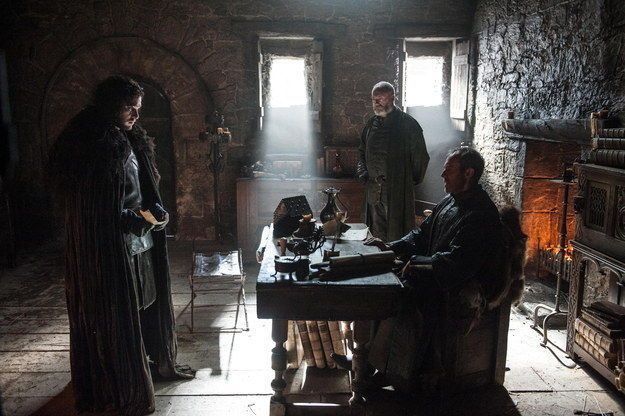 Kit-Harington-as-Jon-Snow-Stephen-Dillane-as-Stannis-Baratheon-and-Liam-Cunningham-as-Davos-Seaworth-in-Game-of-Thrones-S5