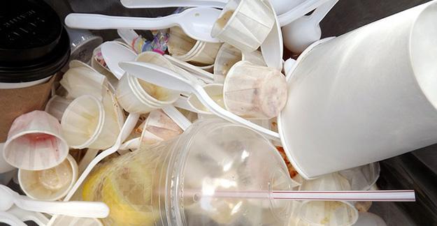ordures-dechets-poubelle-02