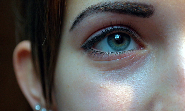 visage-femme-astuces-belle-peau-contre-les-points-noirs-01