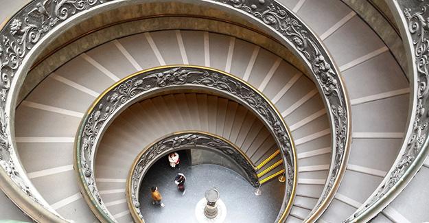 escalier-climimacon-basilique-saint-pierre-vatican