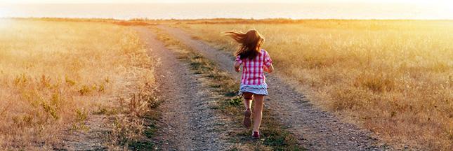 Les adultes devraient sautiller de nouveau, explique une enfant de 9 ans