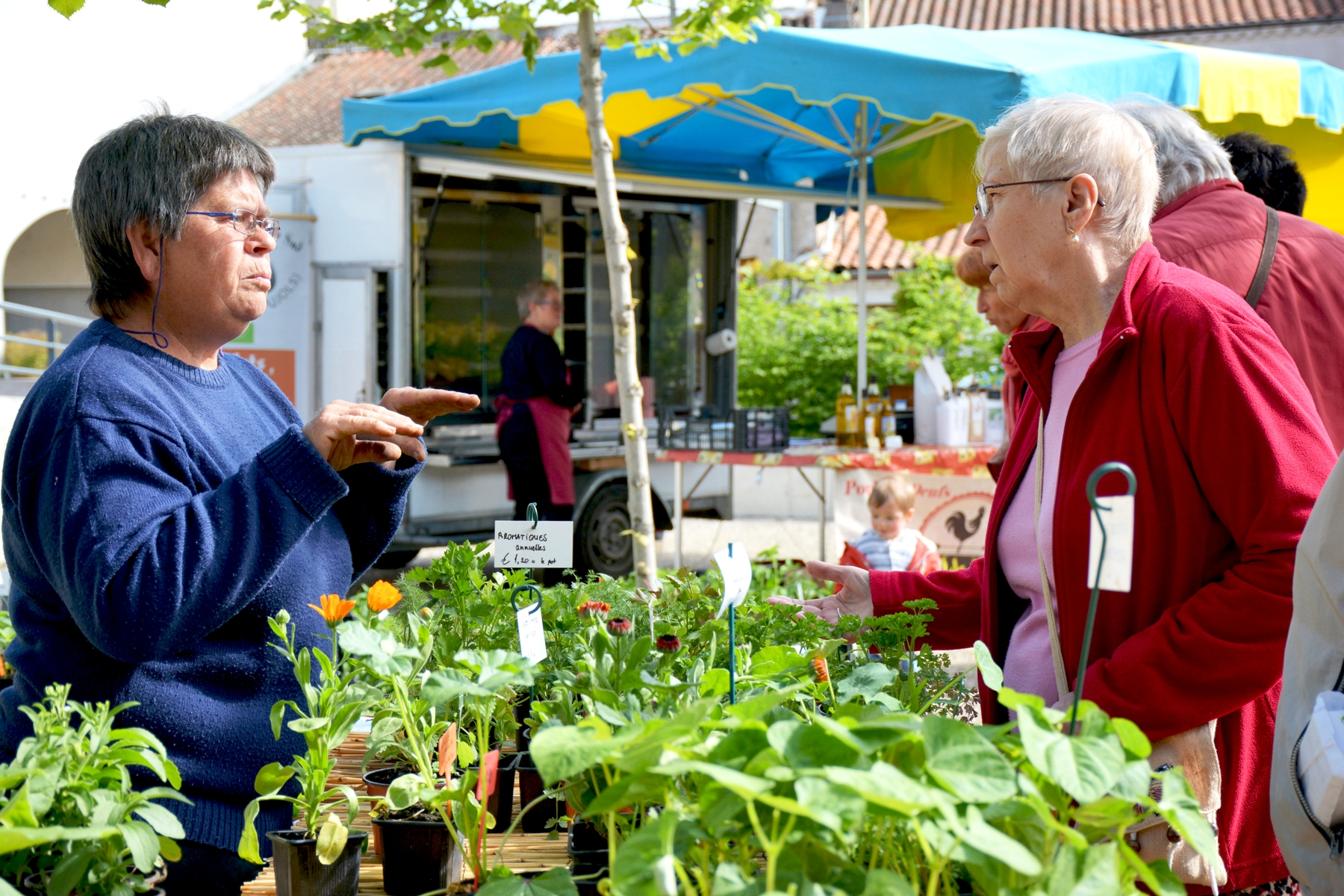 Le marché bio de Villeneuve-sur-Lot aujourd'hui: plus que jamais actif!