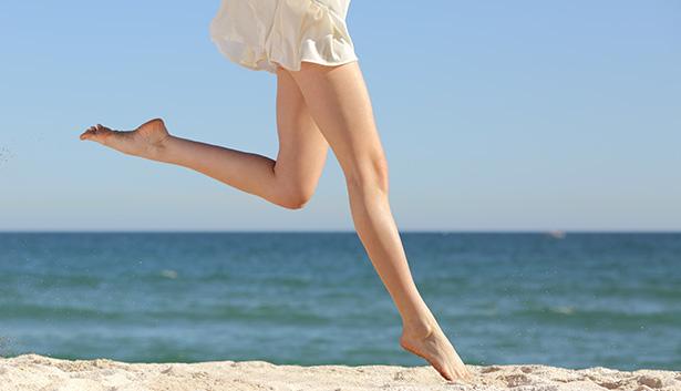 combattre la rétention d'eau conseils astuces jambes lourdes