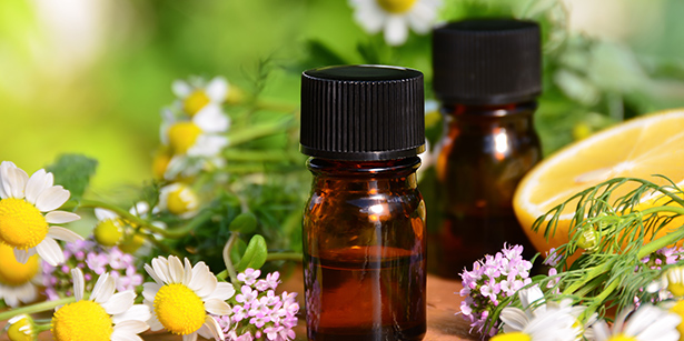 huiles essentielles, nettoyants ménagers naturels