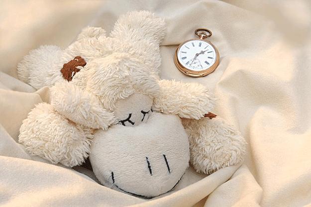 habitudes-dormir-reve-peluche-dodo-sommeil-enfant-rentree