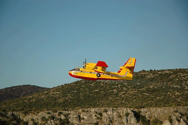 incendies-feux-foret-canadair-1