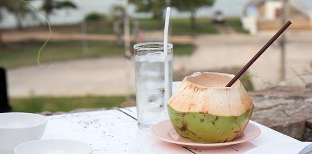 eau de coco jus de coco boisson fraiche santé