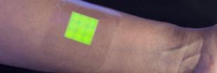 Ce pansement devient fluorescent quand la plaie s'infecte
