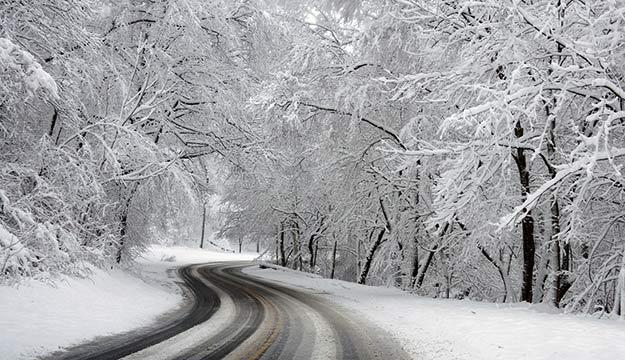 désagréments en hiver, route, verglas, givre