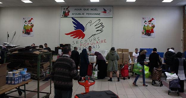 Distribution au Secours Populaire de Lille © Pierre Bafoil