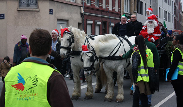 La parade du Secours Populaire de Lille-Fives © Pierre Bafoil