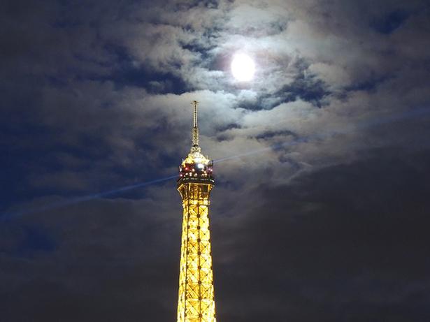 Tour Eiffel nuit lumière
