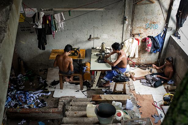 Famille de tailleurs © Jules Toulet
