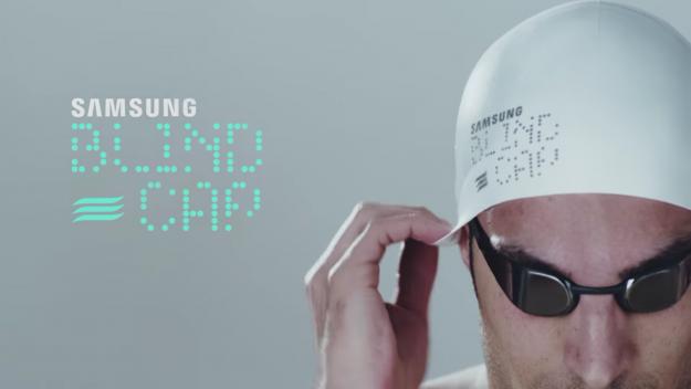 Un bonnet qui vibre pour alerter les nageurs non voyants