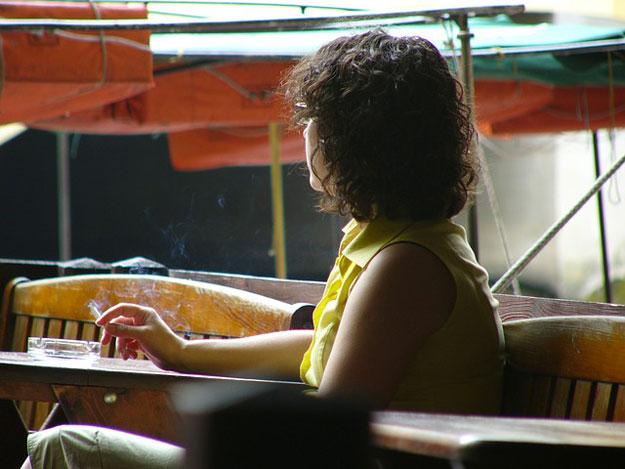 femmes-enceinte-cigarette