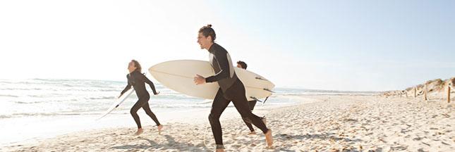 Les surfeurs engagés ont enfin une alternative au néoprène polluant