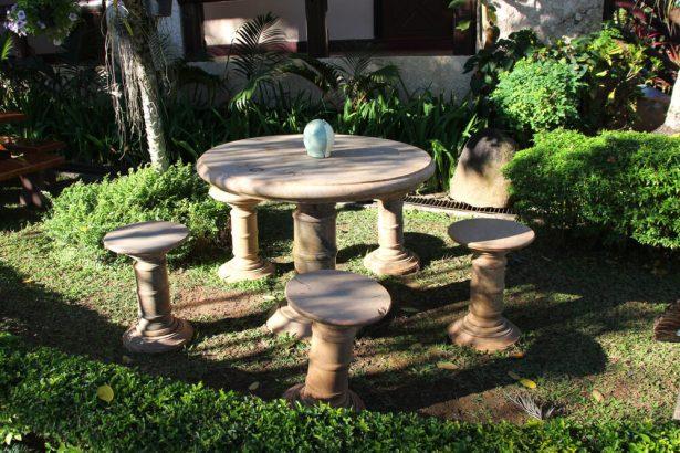 nettoyer salon de jardin pierre