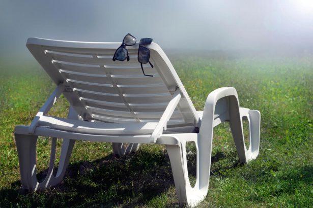 astuces pour nettoyer son salon de jardin. Black Bedroom Furniture Sets. Home Design Ideas