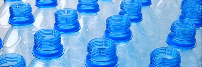 dans le nord les ecobox redonnent vie aux bouteilles d 39 eau en plastique. Black Bedroom Furniture Sets. Home Design Ideas