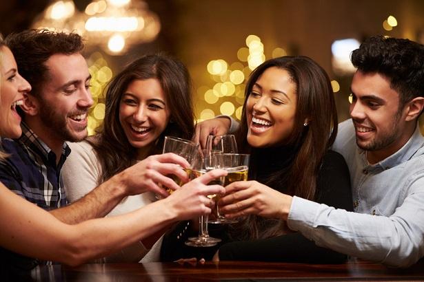bar social échanger trinquer faire des amis