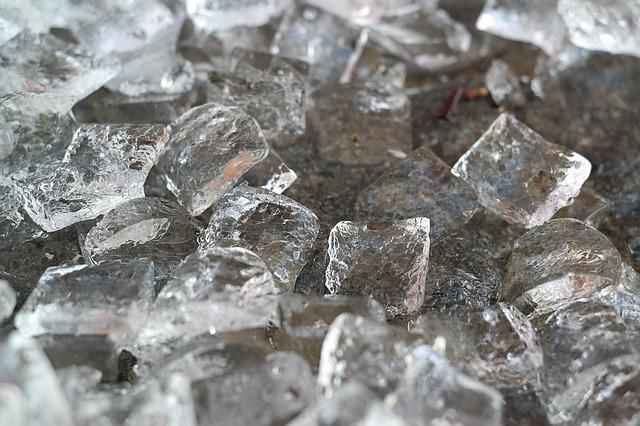La glace: remède naturel pour faire partir les bleus