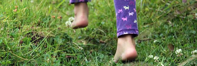 Restez en forme : marchez pieds nus !